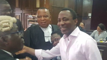 BREAKING: DSS Turns Back Bailiff, Sowore's Lawyer After Perfection Of Bail, Says We Close At 3:30pm