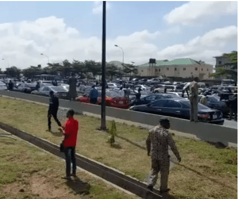 Pandemonium In Abuja As Security Operatives Fire Gunshots During Shiite Procession (Videos)