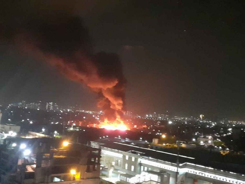 Noida Fire News: A severe fire in the slum area of Barula village of Noida, many people scorched