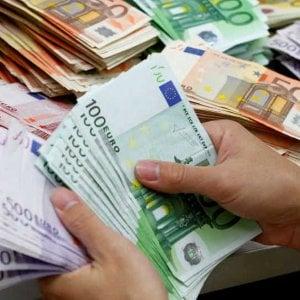 Lecce, prosciugò il conto di una cliente  malata: 320mila euro di sanzione a funzionaria di banca