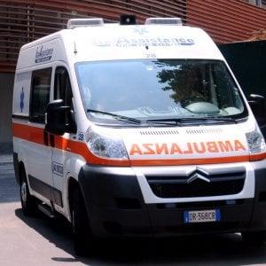 Bologna, operaio muore dissanguato