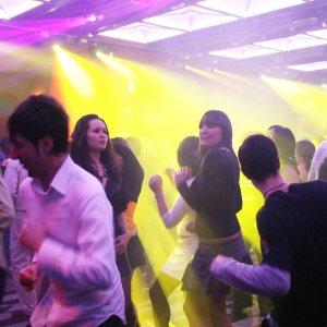 Firenze, discoteca vietata ai minori di 16 anni