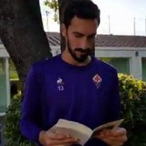 Insulti Anna Frank, il messaggio della Fiorentina: Astori legge un passo del Diario