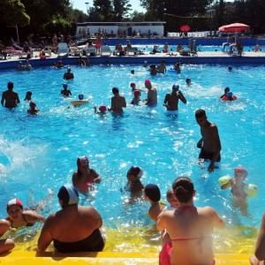 Estate a Milano aprono le piscine tuffi fuori programma