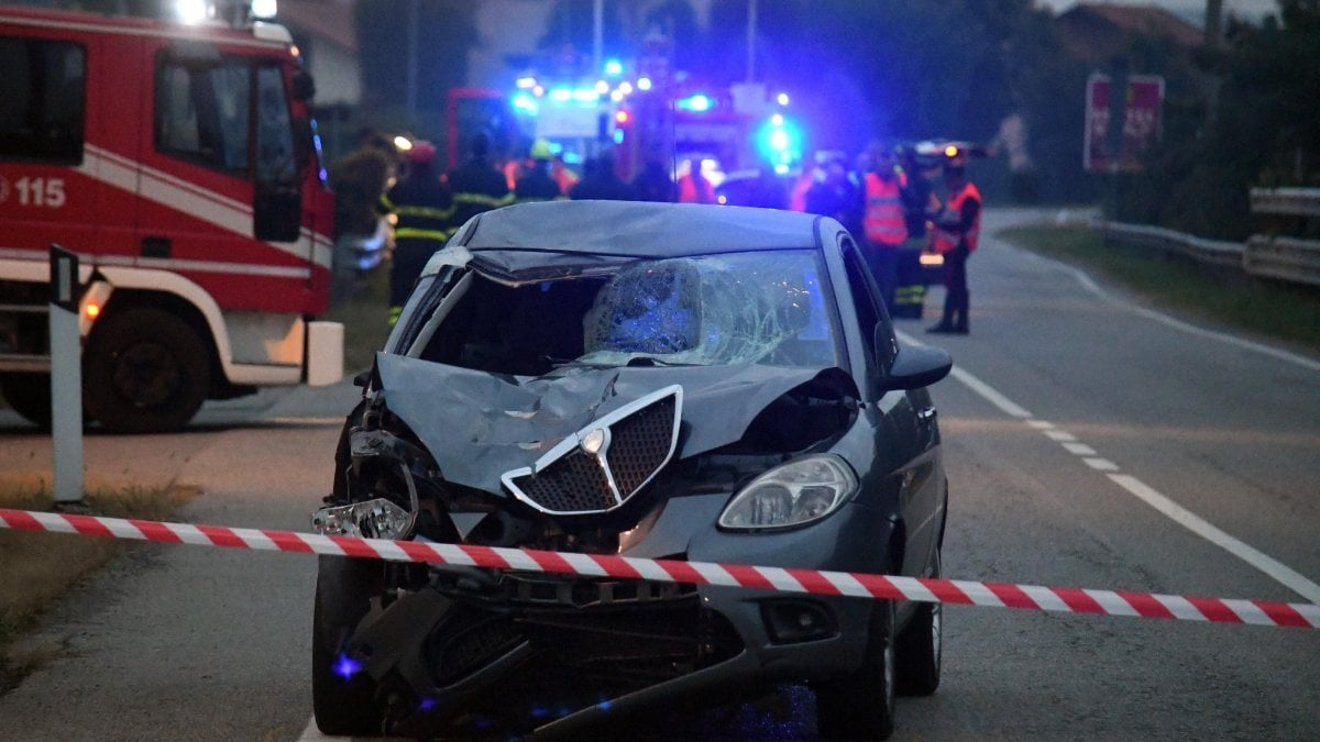 hight resolution of monza two 30 year old overwhelmed and killed by a car a third young person is unhurt