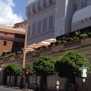 Roma sigilli alla Terrazza Barberini per gravi carenze igieniche  Repubblicait