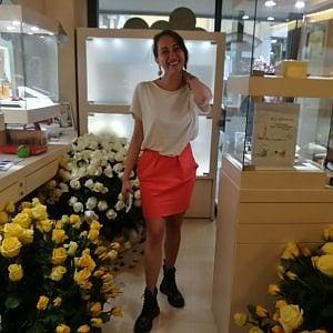 Vercelli, spasimante segreto manda 1800 rose per conquistare una donna