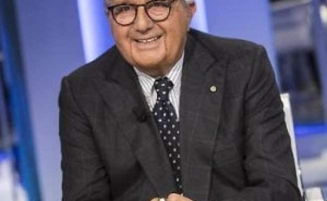 Torino Fiamme Gialle Contro Carlo De Benedetti La