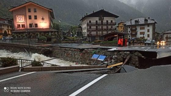 Maltempo in Valle d'Aosta, vigile del fuoco volontario muore travolto da un albero
