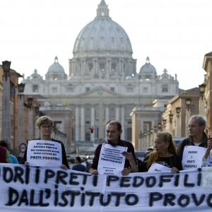 """Pedofilia, il Vaticano insiste: """"Nel rapporto Onu limiti gravi"""""""