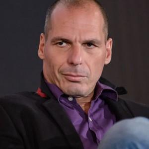 """Yanis Varoufakis: """"Basta ingerenze qui in Grecia e più tempo sul debito"""""""