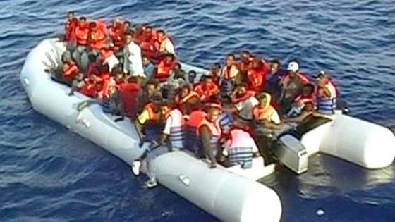 """Migranti, la Ue verso l'accordo: """"Sì alle quote di accoglienza"""""""