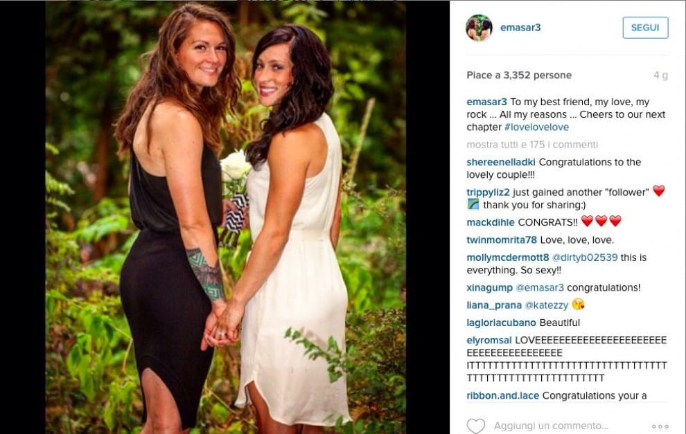 Canada, una preghiera contro l'omofobia: così le calciatrici spose