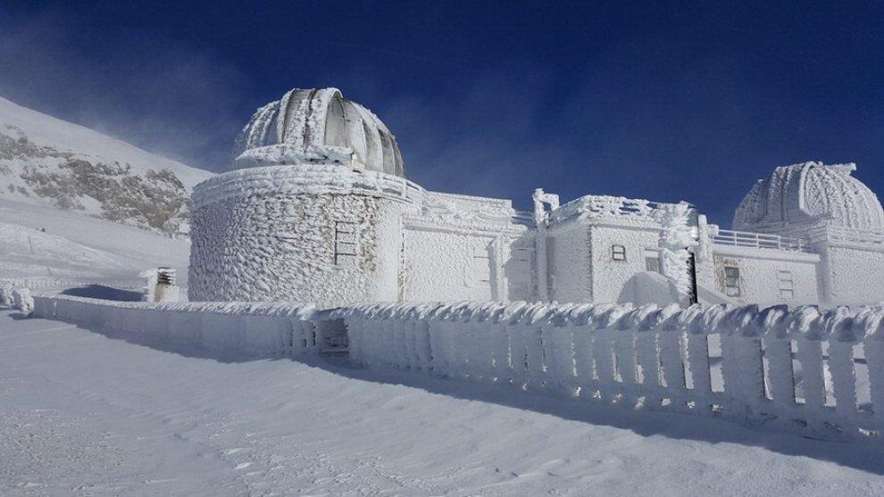 Campo Imperatore troppo freddo ghiaccia anche lOsservatorio astronomico  Repubblicait