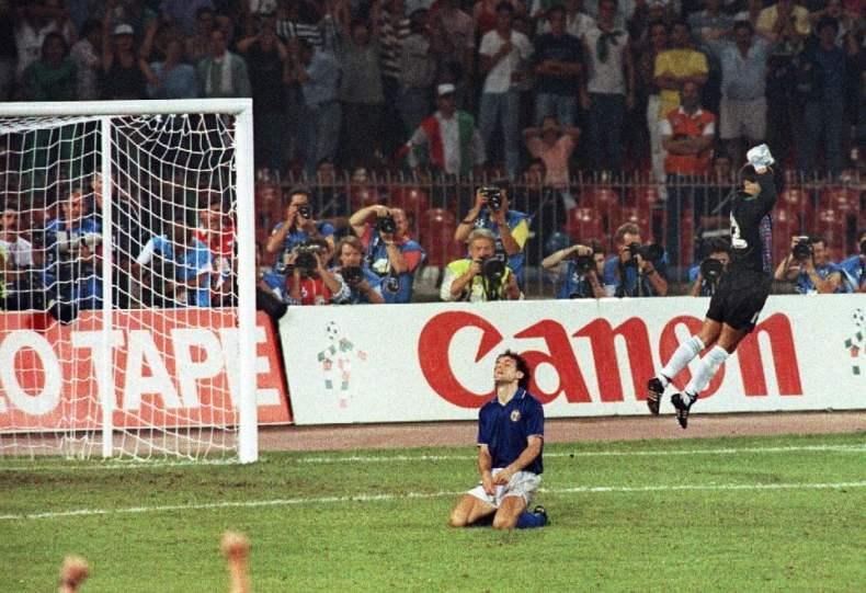 Risultati immagini per argentina vs italia 1990 rigori