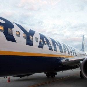 Ryanair, per frenare le uscite arriva il bonus ai piloti