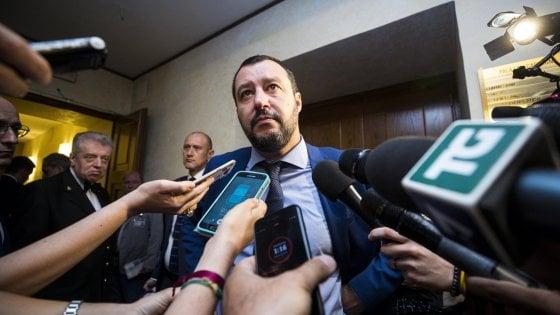 """Migranti, Salvini: """"Conte non vada a Bruxelles se l'accordo Ue è già scritto"""".  Macron e Sanchez due chiacchieroni"""""""