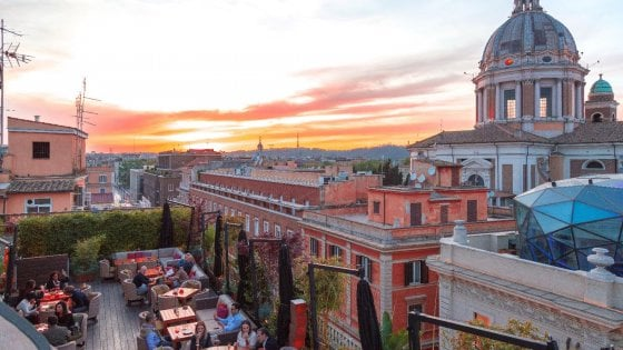 La grande bellezza delle terrazze romane dove mangiare con una vista impareggiabile  Repubblicait