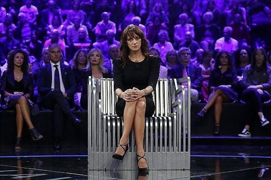 """Asia Argento, le lacrime in tv: """"Mi hanno detto pedofila, uno stigma. Voglio tornare a X Factor, le accuse sono tutte falsità"""""""