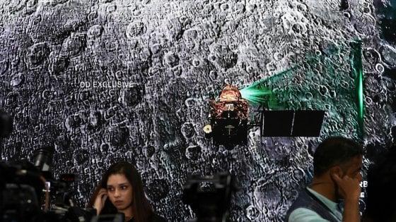 Luna, perso il contatto con il lander indiano