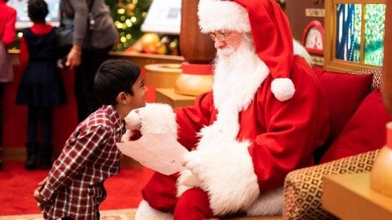 Continua la ricerca nella raccolta di istock di immagini. Babbo Natale E Piu Reale Degli Alieni Almeno Per I Bambini La Repubblica