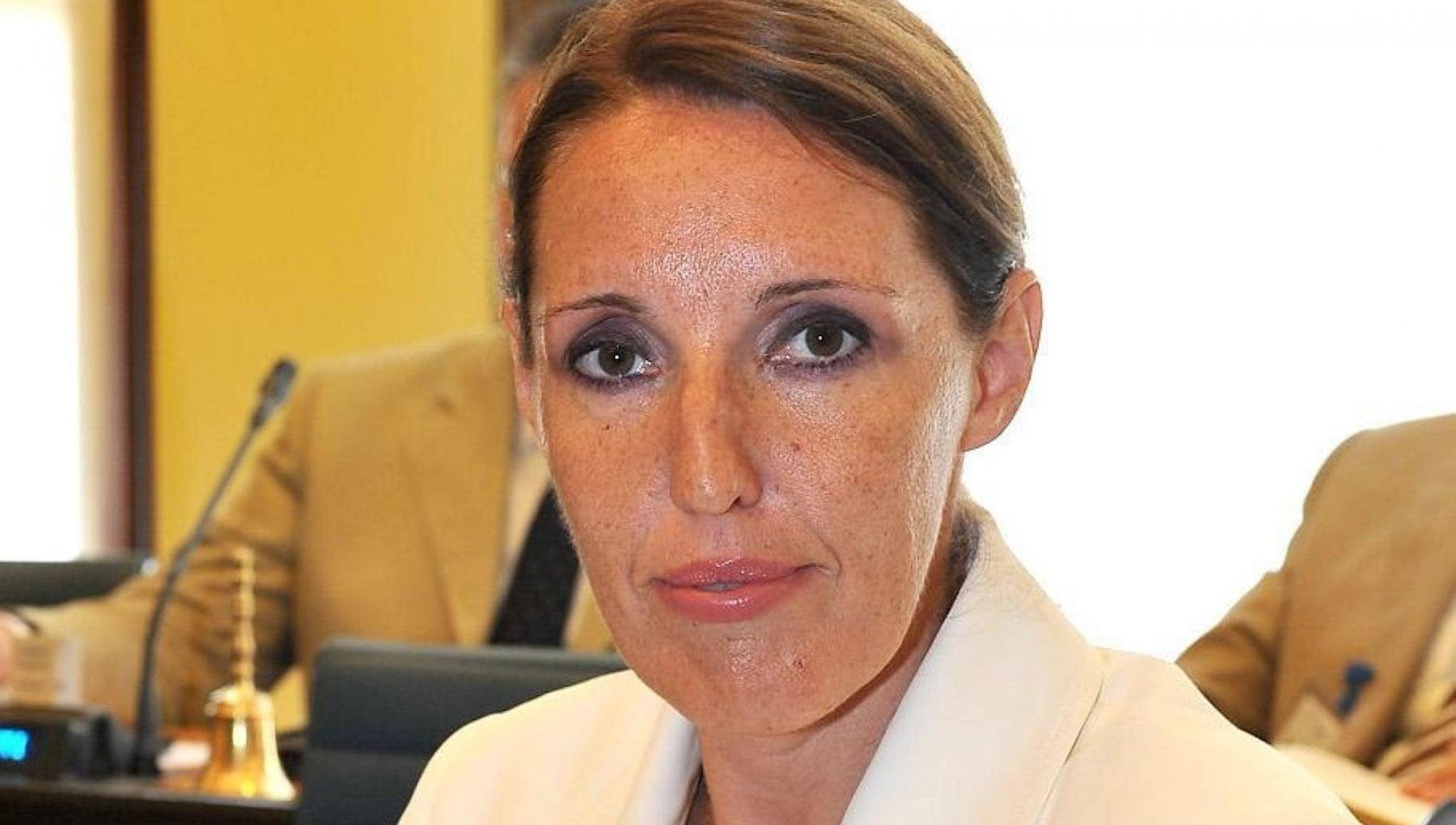 """Veneto, l'assessora che canta """"Faccetta Nera"""": """"Non sono pentita, sono io che ho subito un attacco squadrista"""""""