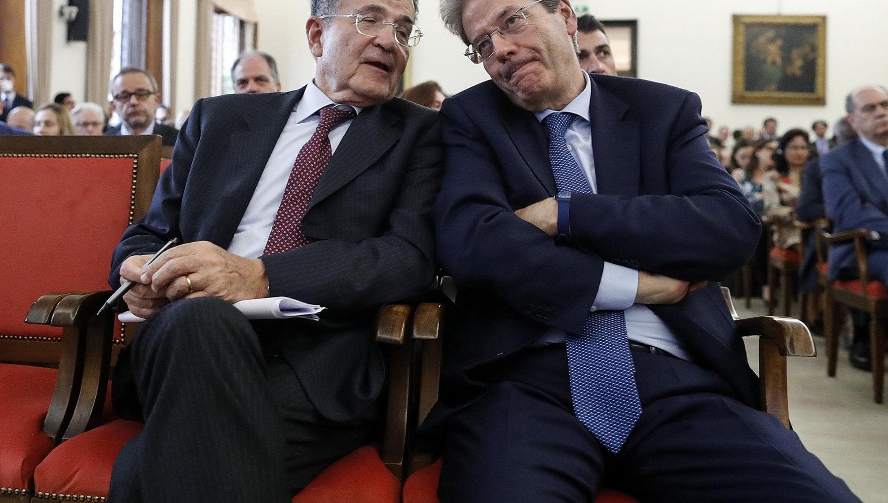 """Il Pd lancia la Frattocchie 2.0 con un corso online di """"buona politica"""". Prodi e Gentiloni fra i relatori"""