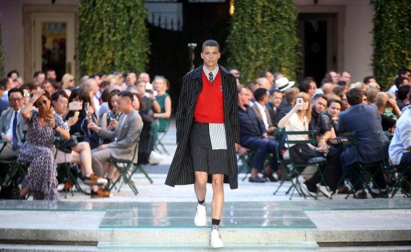 Versace Il Ritorno Di Unestetica Che è Ormai Storia Moda