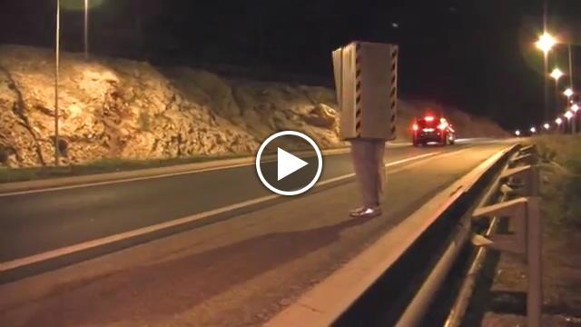 Autovelox torna il mattatore delle candid su web Rmi Gillard  Video TvZap