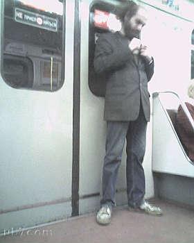 <B>Un blogger scova Perelman<br>l'orso russo in metropolitana</B>