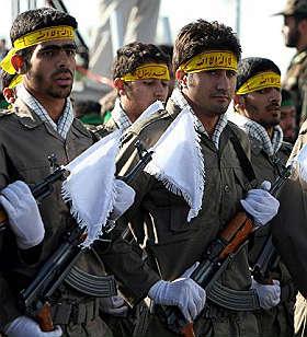 <B>Iran, studenti contestano Ahmadinejad<br>duri scontri con i giovani filoregime</B>