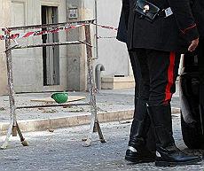 <B>Due operai morti a Caserta e Teramo<br>Precipitati da un'altezza di 20 metri</B>