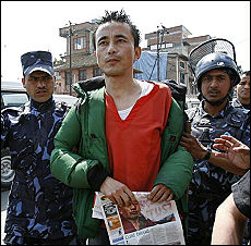 <B>Tibet, dura replica cinese al Papa<br>Dalai Lama pronto a vedere Hu</B>