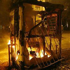 Grecia, scontri in molte città un ragazzo ucciso dalla polizia