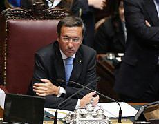 Dl anti-crisi, votata la fiducia ma scoppia la rivolta della Lega