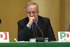 """Veltroni conferma le dimissioni """"Sono un problema, me ne vado"""""""