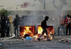 Corteo neonazista anti-immigrati e ad Atene è guerriglia urbana