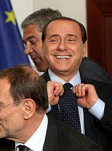 https://i0.wp.com/www.repubblica.it/2009/06/sezioni/politica/berlusconi-divorzio-8/avvenire-al-premier/ansa_16060852_02370.jpg
