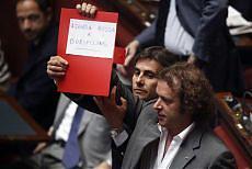 Camera, passa lo scudo fiscale Decisive assenze dell'opposizione