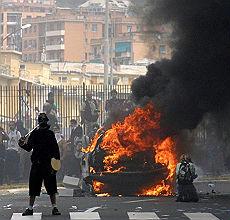 """G8, un secolo di carcere ai black bloc """"Illegittima la carica di via Tolemaide"""""""
