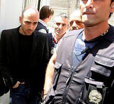 """""""Minacce vere, giusta la scorta"""" i magistrati difendono Saviano"""