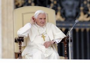 """Cardinale austriaco attacca Sodano """"Insabbiò l'inchiesta sulla pedofilia"""""""