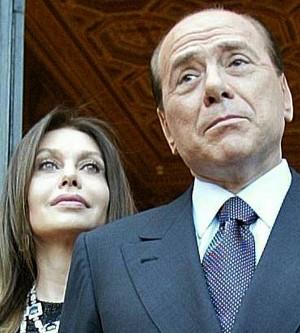 C'è l'accordo tra Berlusconi e la Lario  Un vitalizio da 300 mila euro al mese