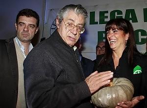 """Bossi: """"Silvio non doveva chiamare la polizia"""" """"Poteva telefonare a me o a Maroni"""""""