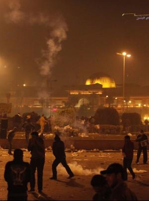 Sull'Egitto il vento della rivolta la piazza in fiamme contro Mubarak