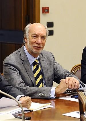 """Processo breve, sì a norma salva premier """"E' fatta apposta per aiutare Berlusconi"""""""