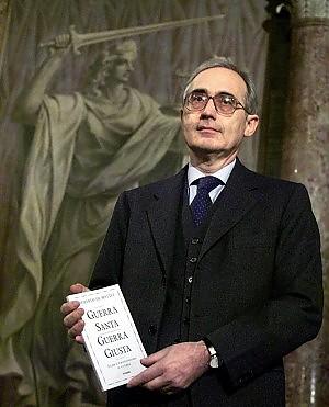 """Storici e associazioni contro De Mattei """"Non può restare vicepresidente del Cnr"""""""