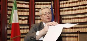 Sì del Cdm alla manovra, resta la tassa Suv Via libera al decreto rifiuti, Lega vota 'no'