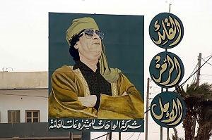 """Gheddafi minaccia attacchi all'Europa Bossi: """"L'Italia cesserà i raid a settembre"""""""