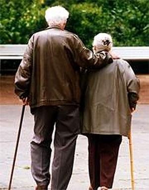 """""""Inaccettabile stretta sulle pensioni"""" Sindacati e opposizioni all'attacco"""